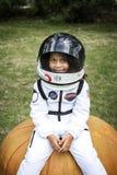 Маленькая девочка одеванная на хеллоуин стоковое фото rf