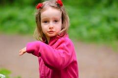 Маленькая девочка Outdoors Стоковое Изображение