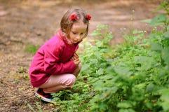 Маленькая девочка Outdoors Стоковые Фото