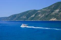 Маленькая лодка в море Mediteraneean Стоковая Фотография RF