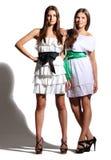 Маленькие девочки в белых платьях Стоковые Фотографии RF