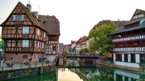 Маленькие здания и отражение Франции стоковое фото rf