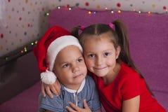 Маленький брат и сестра Стоковые Изображения