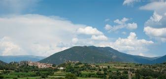 Маленький город Peramea в испанском Пирене Стоковые Изображения RF