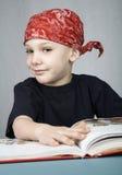 маленький читатель Стоковая Фотография