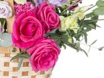 Малиновые розы в корзине Стоковая Фотография