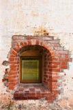 Малое Windows в стене старого монастыря belozersky скит kirillo стоковые фотографии rf
