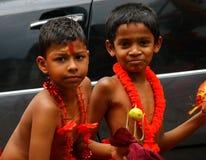 Малые дети как танцоры perahara стоковые фото