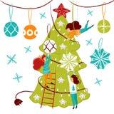 Малые характеры людей украшая рождественскую елку Новый Год украшения Люди фантазии маленькие в гигантском мире плоском Бесплатная Иллюстрация