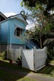 Малый голубой крупный план дома тимберса Стоковое фото RF