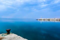 Малый красный маяк в Platamonas Греции Стоковая Фотография RF