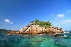 Малый остров в юге Таиланда Стоковое Фото