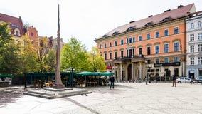 Малый памятник иглы на квадрате Solny в Wroclaw стоковое фото rf