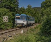 Малый тепловозный поезд в городке Jablonec nad Jizerou Стоковое Фото