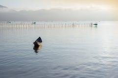Малый refection рыбацких лодок на части 2 фьорда стоковая фотография rf
