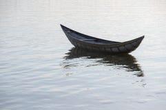 Малый refection рыбацких лодок на части 4 фьорда стоковые изображения