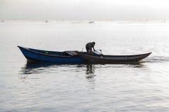 Малый refection рыбацких лодок на части 7 фьорда стоковая фотография