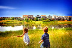 Малыши в поле Стоковое Изображение RF