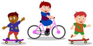 малыши игр играя улицу Стоковое Изображение