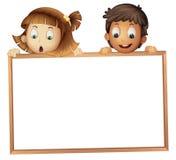Малыши показывая доску бесплатная иллюстрация