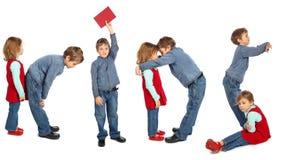 малыши девушки мальчика делая слово Стоковое Изображение RF