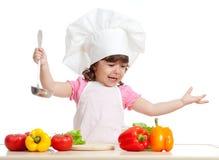 малыш еды смешной здоровый подготовляя scullion Стоковые Изображения RF