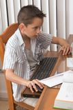 малыш игры компьютера 8 времен элементарный играет леты Стоковые Изображения RF