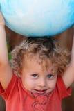 малыш крупного плана шарика Стоковые Изображения RF