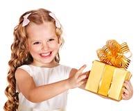 малыш подарка коробки дня рождения Стоковые Фотографии RF
