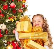 малыш подарка рождества коробки Стоковое фото RF