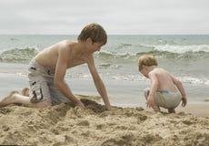 Мальчики пляжа Стоковое Изображение RF