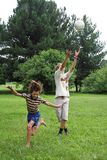 мальчики boll играют 2 Стоковые Фото