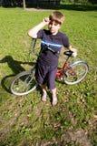 мальчик велосипеда Стоковые Фото