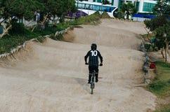 Мальчик велосипедиста стоковые изображения rf