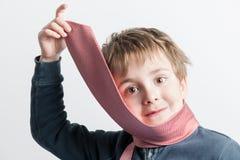 Мальчик играя с связью Стоковая Фотография RF