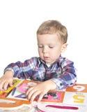мальчик книги стоковые изображения