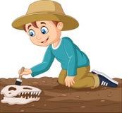 Мальчик мультфильма чистя ископаемый щеткой динозавра иллюстрация вектора