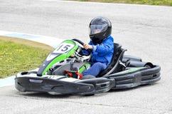 Мальчик на carting Стоковое Фото