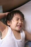 мальчик неудобный стоковая фотография