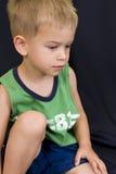 мальчик предпосылки черный немногая играя Стоковые Изображения