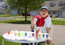 мальчик рисует Стоковые Изображения