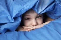 мальчик сонный Стоковые Изображения