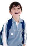 мальчик счастливо смеясь над немного детенышами стоковые фото