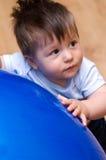 мальчик шарика стоковое фото rf