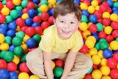 мальчик шариков Стоковые Изображения