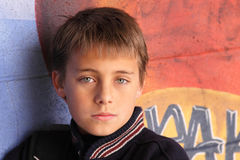 мальчик 10 унылый Стоковые Фото