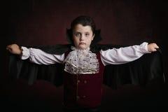 мальчик halloween Мальчик одетый как вампир Стоковые Фотографии RF