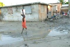 мальчик wading Стоковое Изображение RF