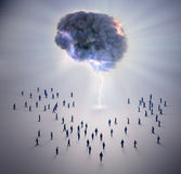 Малюсенький brainstorm людей Стоковое фото RF