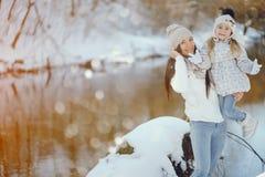 Мама и дочь стоковое фото rf